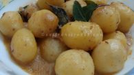 Ginger flavoured cream of potato curry – a very simple Indian recipe, mildly flavoured and subtly sweet. This recipe features new baby potatoes, a fresh produce during the winter, simmering in freshly pressed coconut milk. Roasted root ginger gives a refreshing aroma to the dish and freshly squeezed lemon liven up this simple but tasty potato curry. Whenever I picked up these cute baby potatoes, I end up doing dum aloo (a very popular Indian potato curry recipe), twisting it […]