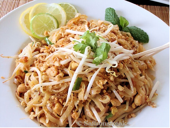 Pad thai with rice noodles