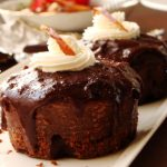 Sticky chocolate and date pudding