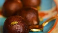 "Mishti aloo r pantua / Sweet potato gulab jamun for Sankranti : I cook lots of sweets now a days (read post-marriage addiction). So when Sankranti festival is near how can I celebrate it without any sweets to adorn my table. To celebrate the occasion here we present – sweet potato jamuns or mishti aloo'r pantua as it is lovingly known in Bengal. This sweet potato jamuns were on my long list of ""things to do"". I was always daunted […]"