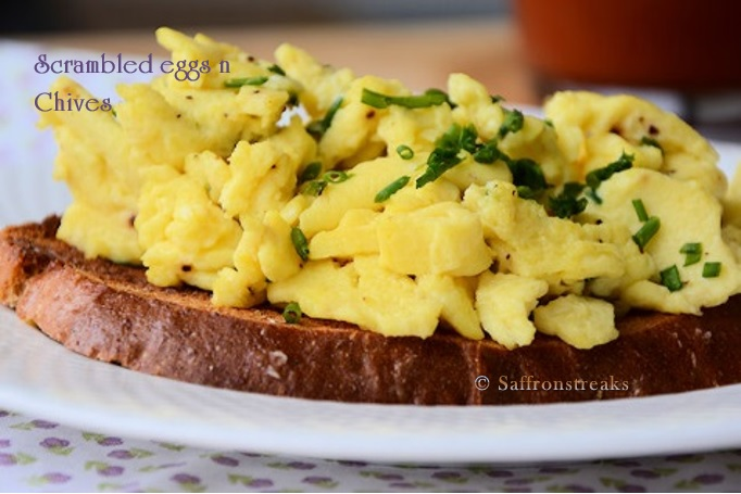 Creamy scrambled eggs with chives and an insect diet ?